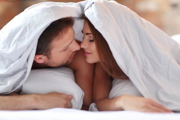 Jika kamu berbicara jujur dan terbuka tentang apa yang ingin kamu peroleh dari setiap hubungan seks, ini semua akan membantu kamu dan pasangan memperoleh kehidupan seks yang lebih baik.
