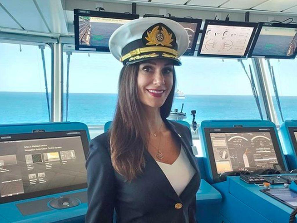 Wanita yang Jadi Kapten Kapal Pesiar Pertama AS