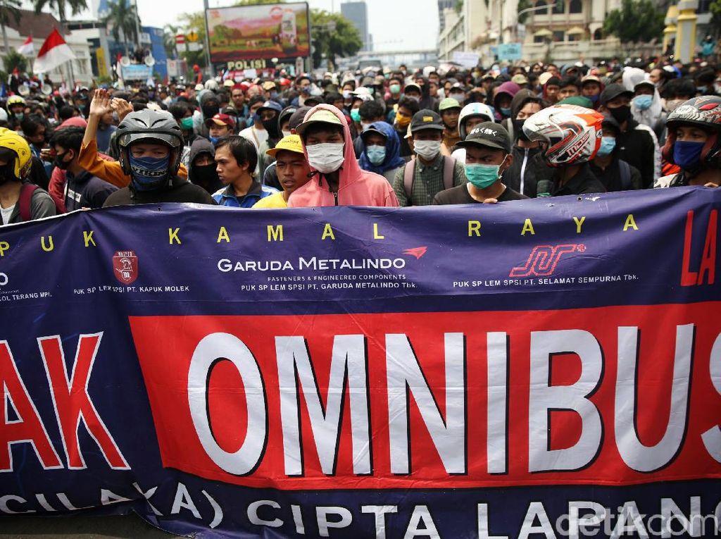 Tolak UU Ciptaker, Aliansi Buruh Aceh Minta Pemprov Pakai Qanun