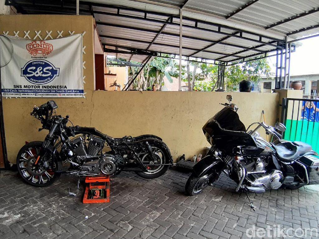 Bengkel Moge di Rumah, Konsumennya dari Luar Kota sampai Putra Jokowi