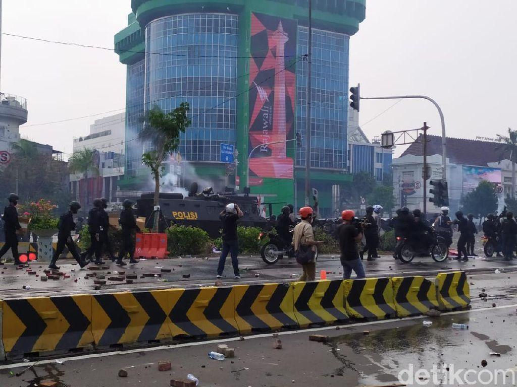 Kronologi Demo di Sekitar Istana yang Berujung Ricuh