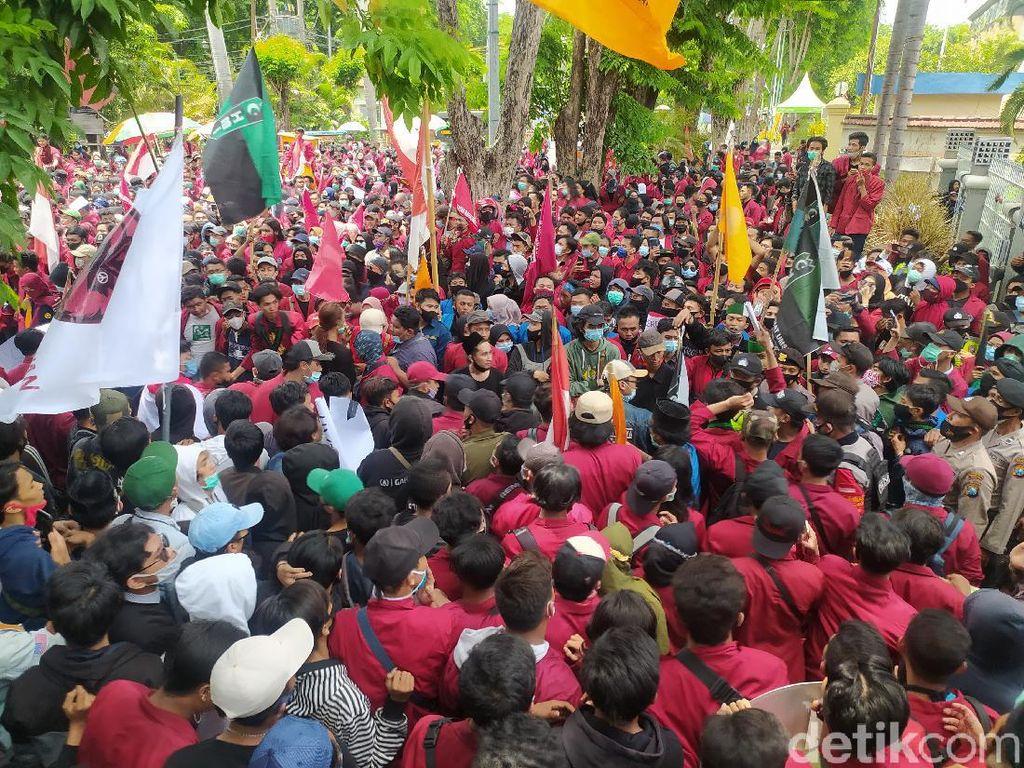 Pakar Sebut Demo Omnibus Law di Jatim Berpotensi Jadi Klaster COVID-19