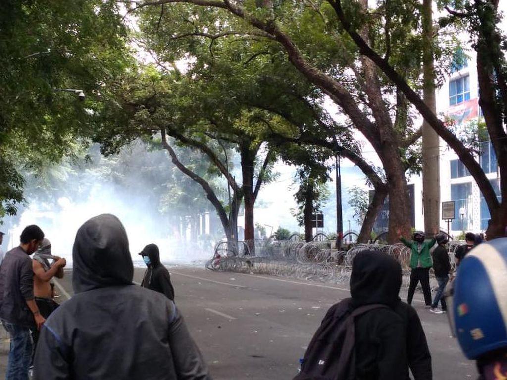 Video Ketua KAMI Medan Ditangkap Terkait Demo Ricuh Omnibus Law