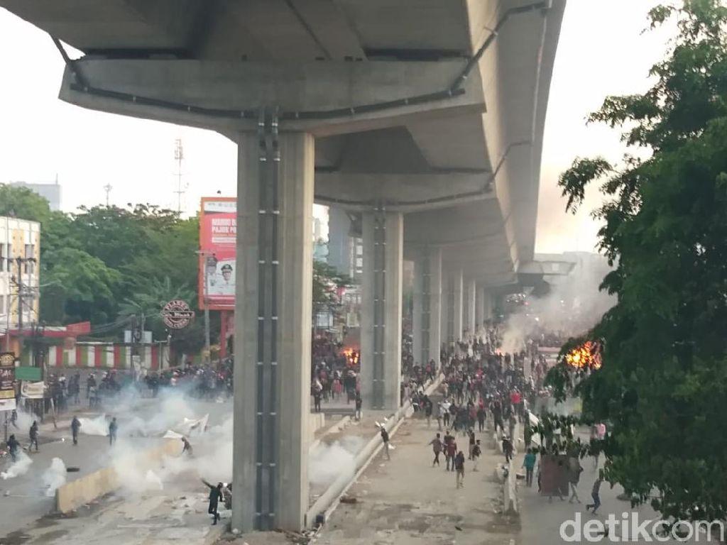 250 Orang di Makassar Ditahan Buntut Demo Tolak Omnibus Law Ricuh