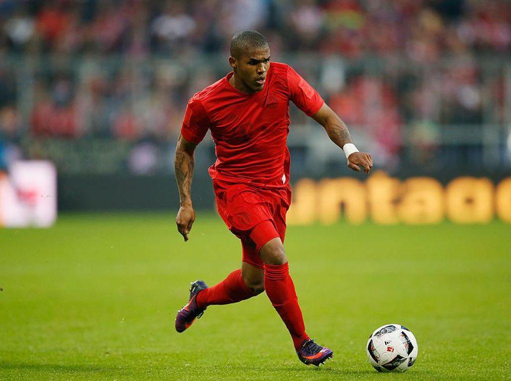 Douglas Costa ke Bayern, Memang Butuh atau Panic Buying?