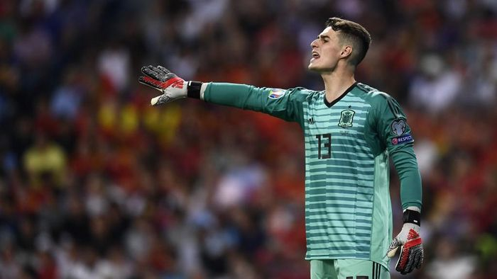Spains goalkeeper Kepa Arrizabalaga gestures during the UEFA Euro 2020 group F qualifying football match between Spain and Sweden at the Santiago Bernabeu stadium in Madrid on June 10, 2019. (Photo by OSCAR DEL POZO / AFP)