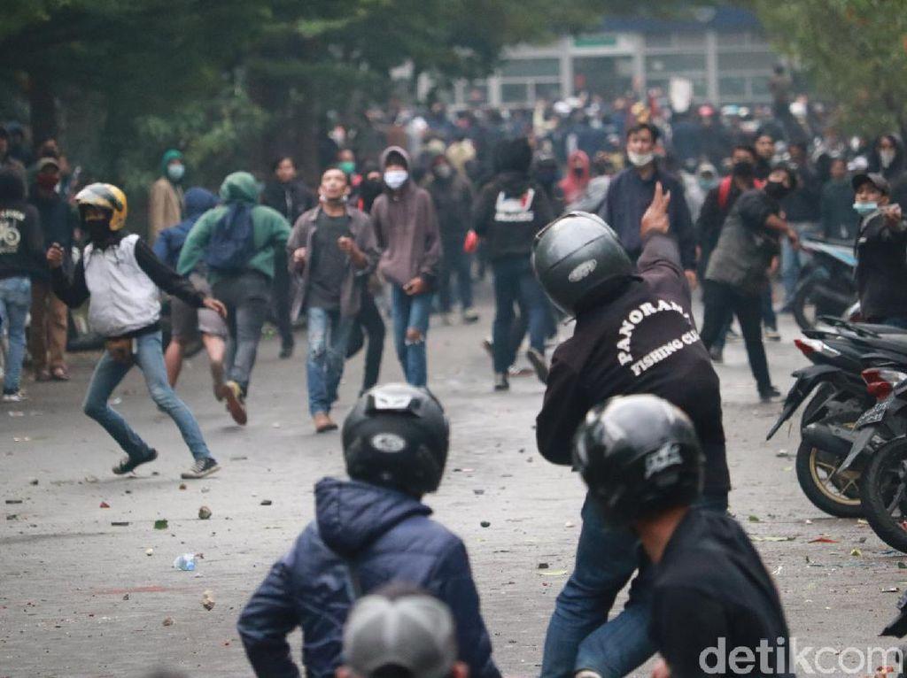 429 Demonstran Omnibus Law di Bandung Tes Rapid, 13 Orang Reaktif