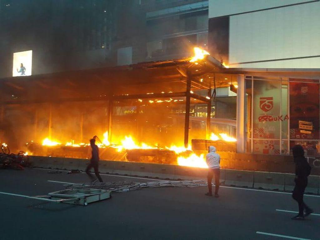 Pusat Ibu Kota Jadi Sasaran Demo Massa: Bundaran HI hingga Sekitar Istana