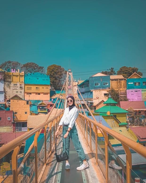 Jodipan di malang mirip kampung warna warni di Busan Korea Selatan