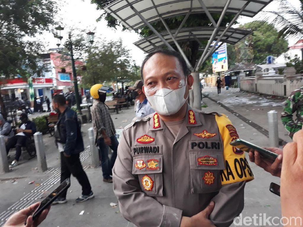 Demo Tolak Omnibus Law di Malioboro Ricuh, Ini Daftar Kerusakannya