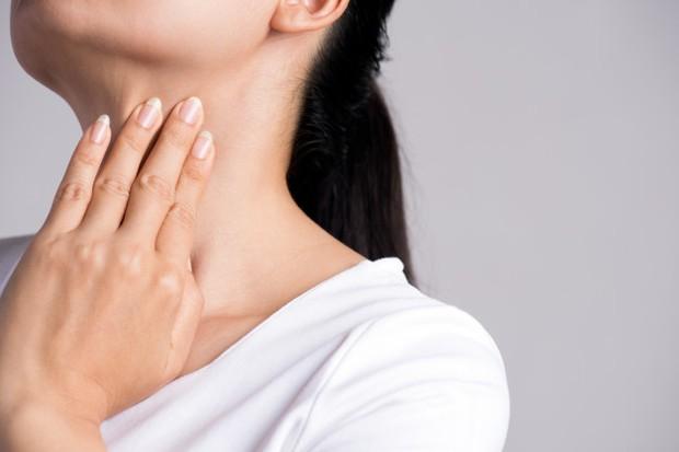 ilustrasi: kondisi kulit acanthosis nigricans yang berupa bercak beludu gelap di lipatan kulit seperti leher, ketiak, dan selangkangan bisa jadi tanda penyakit jantung