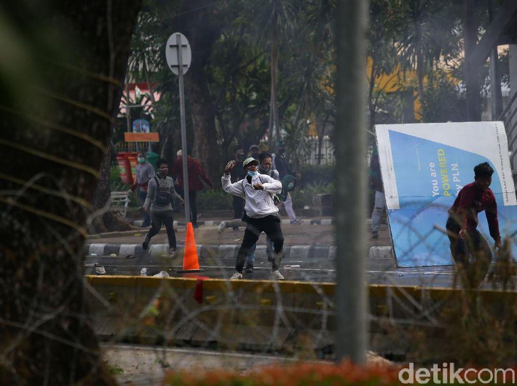 Peristiwa Menonjol Seputar Demo UU Cipta Kerja di Jakarta Sejauh Ini