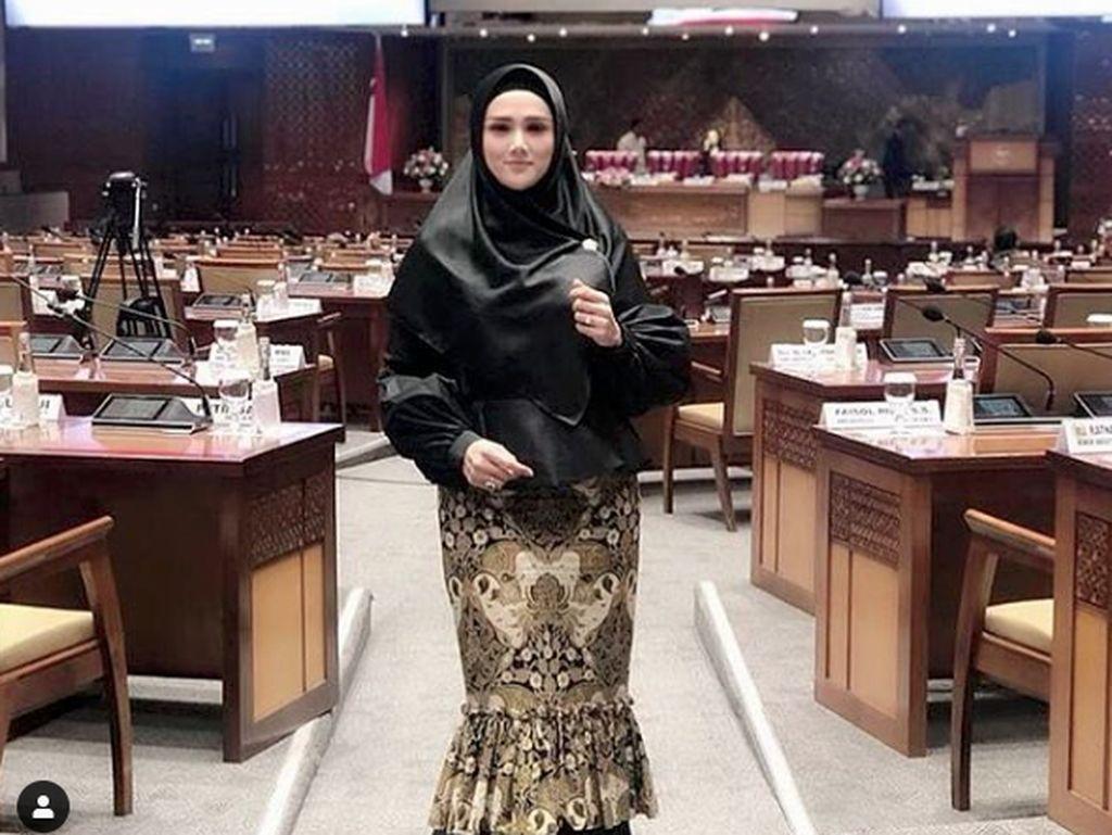 Mulan Jameela Bahas PPKM Darurat, Sindir WNA yang Bisa Masuk ke Indonesia
