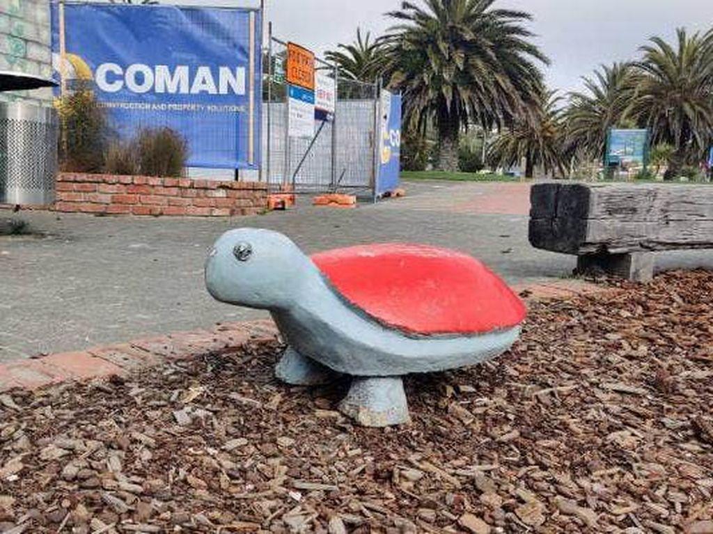 Ajaib! Patung Kura-kura Seberat 100 Kg Bisa Pindah Kota Sejauh 117 Km