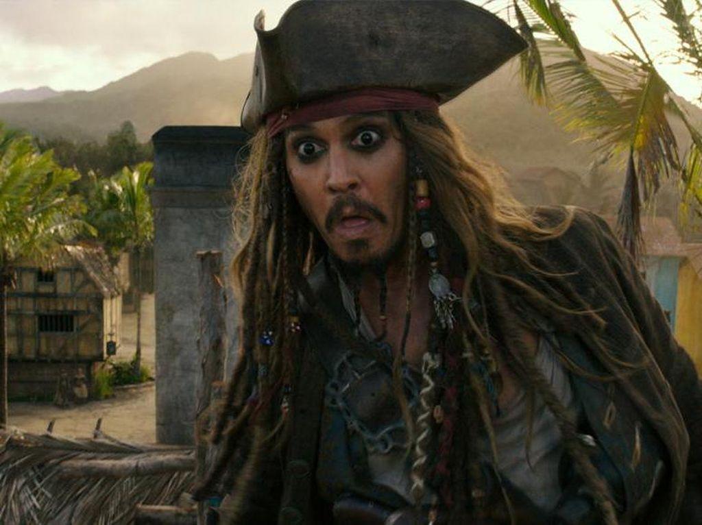 Image Jack Sparrow Buruk karena Pemabuk, Johnny Depp Pantang Mundur