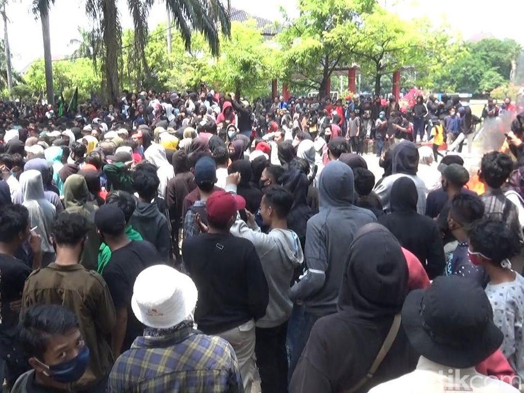 Ricuh Demo di Kota Pekalongan