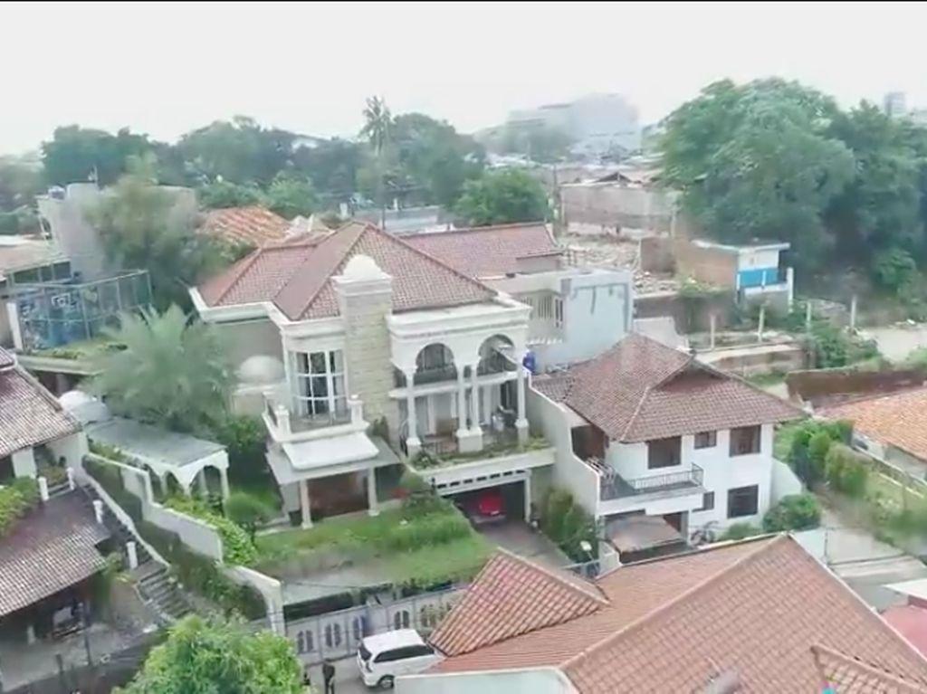 Foto: Rumah Mewah Denny Cagur, Ada Lift dan Ruang Karaoke Rp 250 Juta