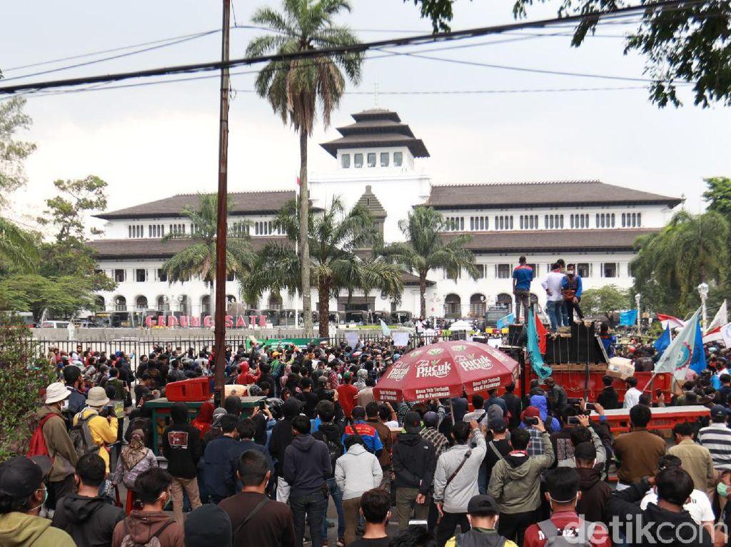 3 Hari Pedemo Ricuh, Pemprov Jabar: Mayoritas Kerusakan di Luar Gedung Sate