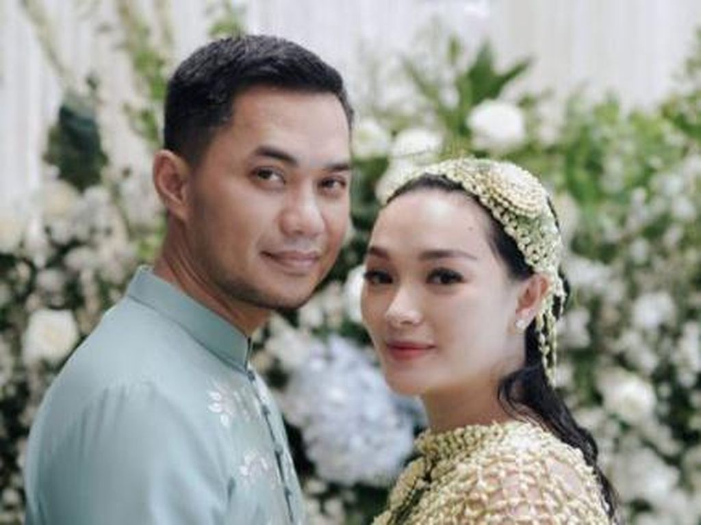Suami Zaskia Gotik Positif COVID-19, Ingatkan RS Sudah Penuh