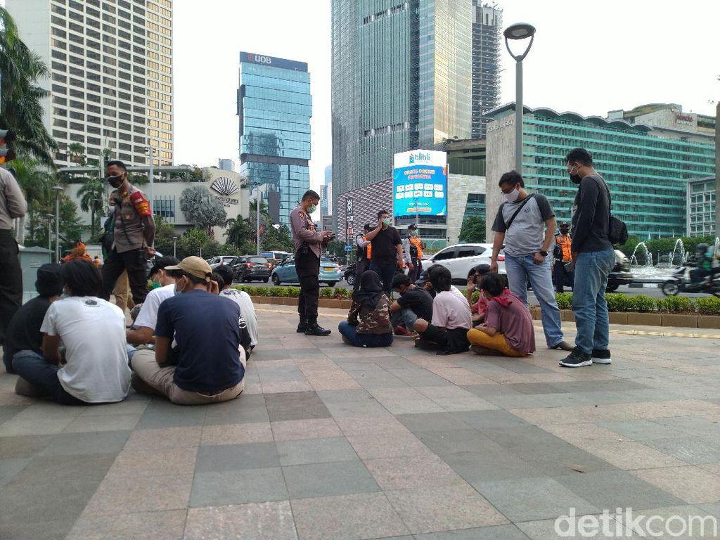 14 Remaja Diamankan Lagi di Bundaran HI, Polisi: Ada Ajakan Demo di WA