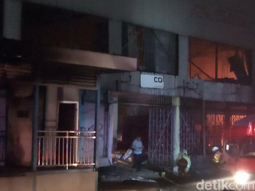 Api di Grand Theater Senen Membesar Lagi, Damkar Upaya Padamkan