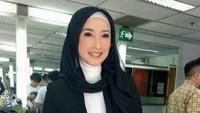 Kondisi Ibu Desy Ratnasari yang Terkena COVID-19, Kini Membaik