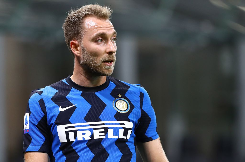 MILAN, ITALY - SEPTEMBER 26:  Christian Eriksen of FC Internazionale looks on during the Serie A match between FC Internazionale and ACF Fiorentina at Stadio Giuseppe Meazza on September 26, 2020 in Milan, Italy.  (Photo by Marco Luzzani/Getty Images)