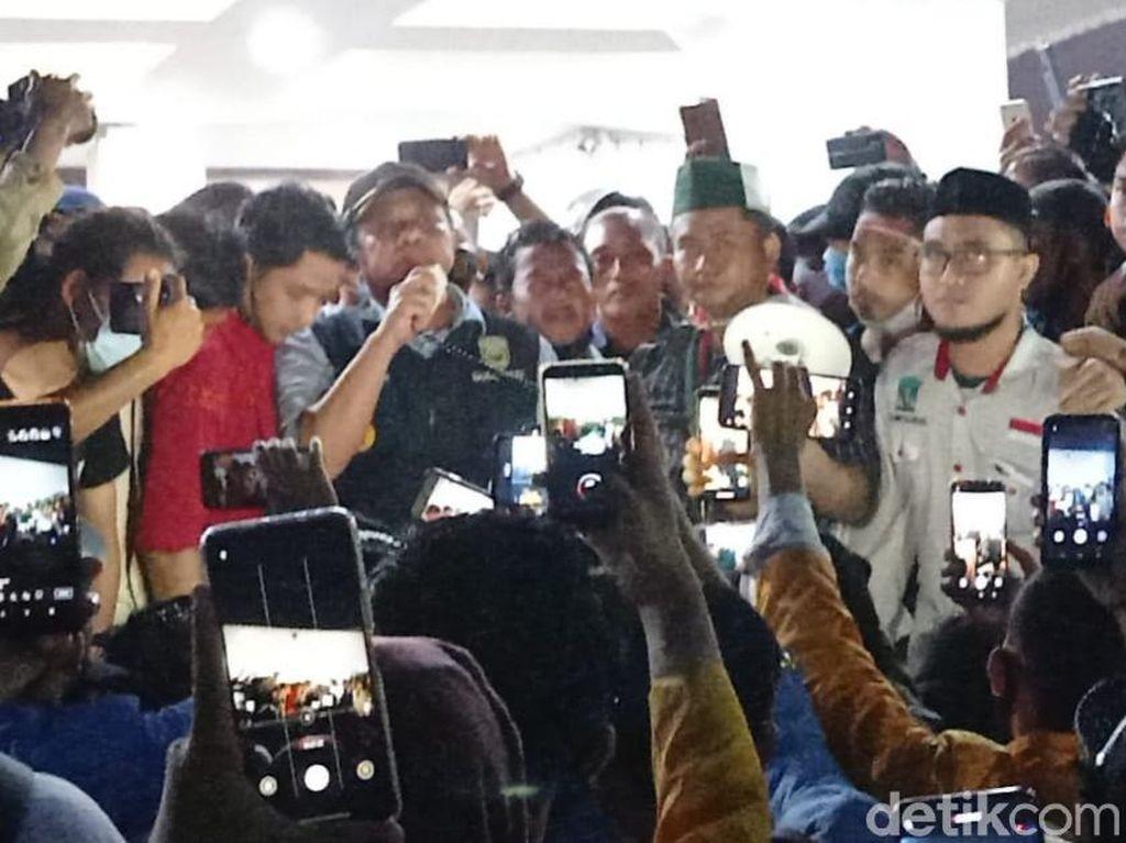 Gubernur Sumsel Temui Massa Tolak Omnibus Law, Janji Sampaikan Aspirasi