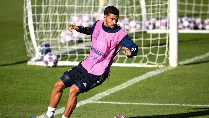 LISBON, PORTUGAL - AUGUST 18: Houssem Aouar of Olympique Lyon trains during a training session ahead of their UEFA Champions League Semi Final match against Bayern Munich at Estadio do Restelo on August 18, 2020 in Lisbon, Portugal. (Photo by Franck Fife/Pool via Getty Images)