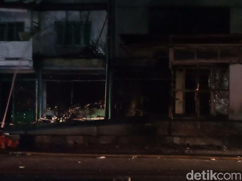 3 Ruko Hangus Kena Dampak Kebakaran Grand Theater Senen
