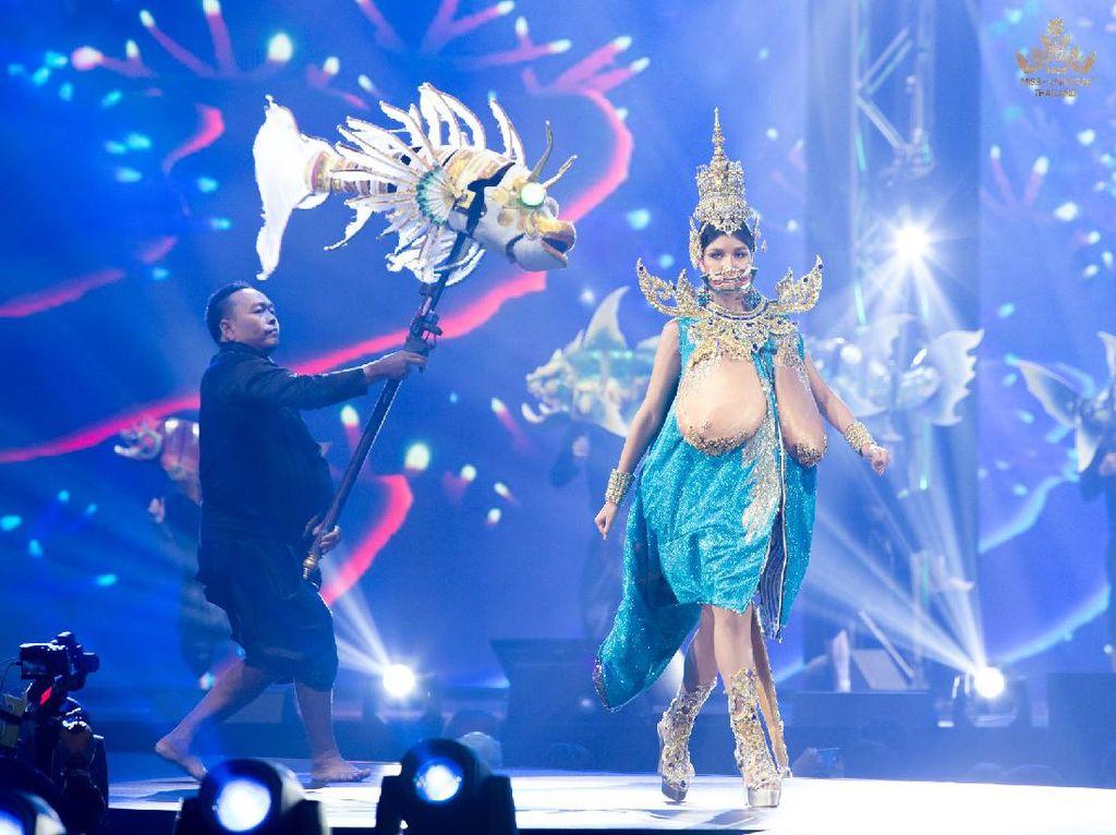 10 Kostum Nasional Aneh di Miss Universe, Ada yang Bentuk Payudara Raksasa