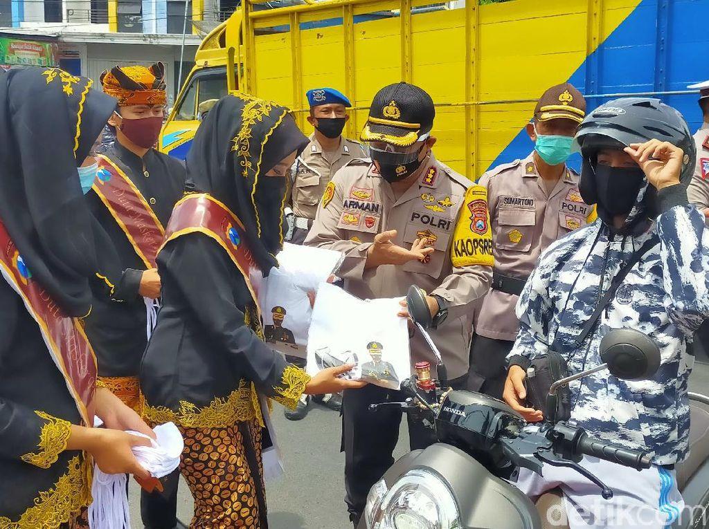 Antisipasi Klaster Keluarga, Banyuwangi Gelar Kampanye Bersama Duta Masker