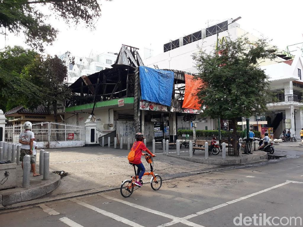 CCTV Pemantau Aksi Demo, Malioboro yang Berantakan, Kerumunan di China