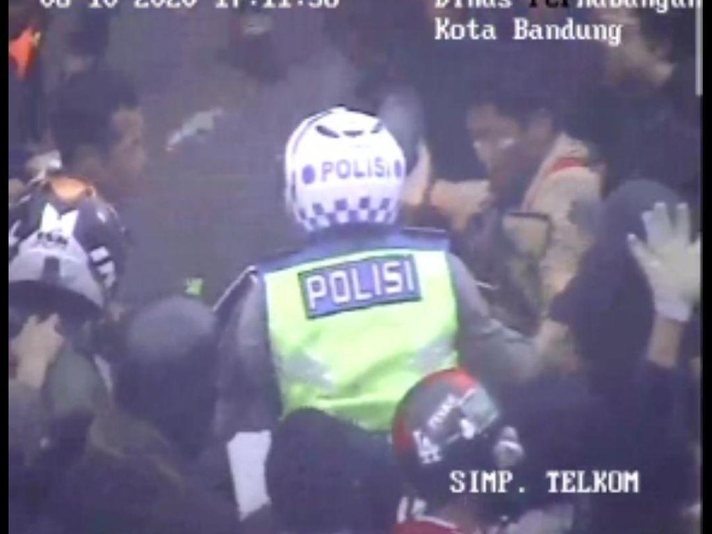 Polisi Usut Demonstran yang Nyaris Aniaya Polantas di Bandung