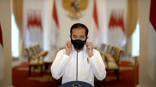 Presiden Joko Widodo (Jokowi) meminta kalangan yang tak puas pada omnibus law ciptaker  untuk mengajukan uji materi atau judicial review ke Mahkamah Konstitusi (MK).