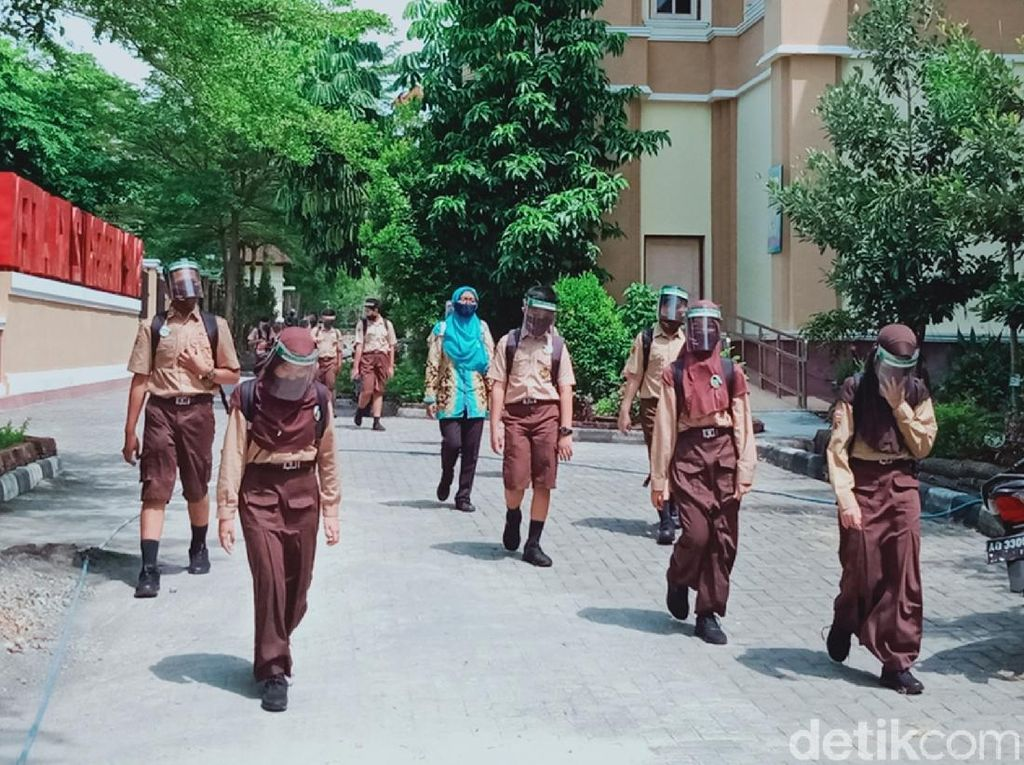 Mengintip Suasana Sekolah Tatap Muka Perdana di Klaten Hari Ini