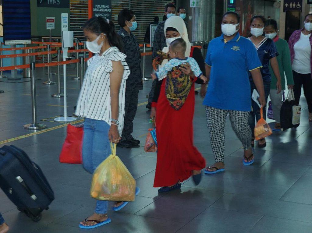 7.200 PMI Bermasalah di Malaysia Akan Dideportasi Mulai Besok