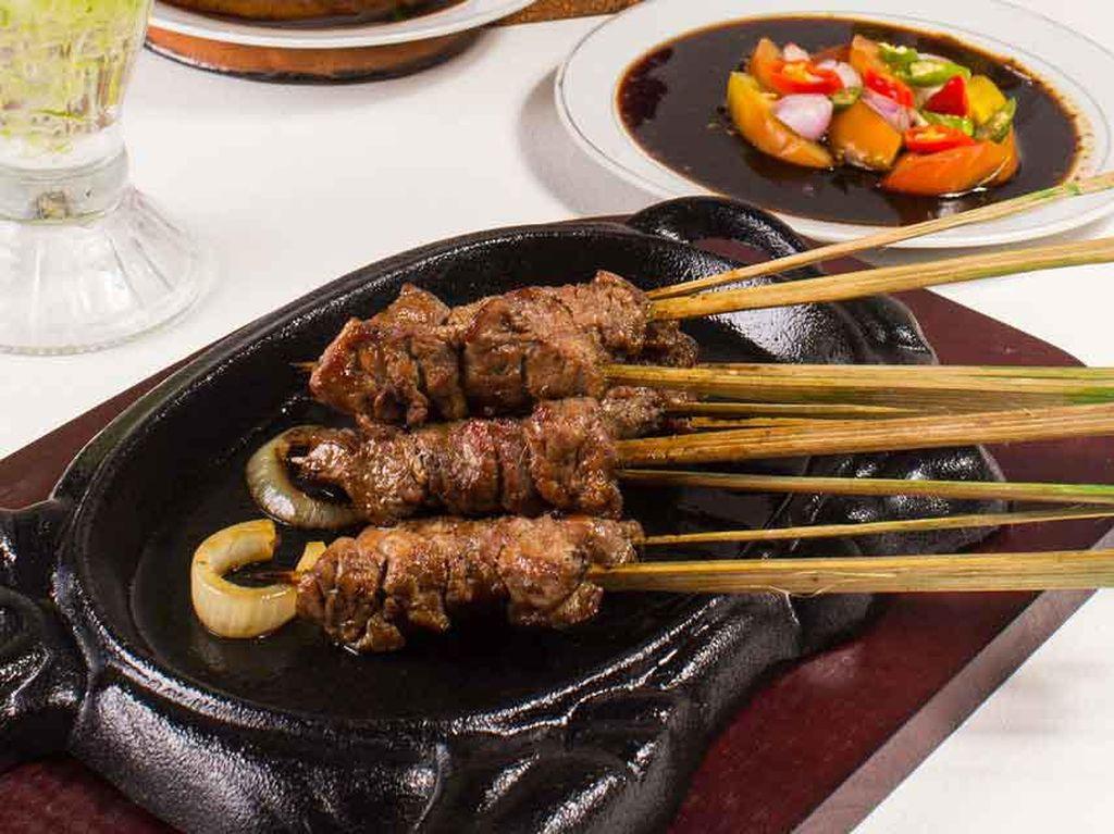 Bersantai Sambil Makan Sate Tegal hingga Seafood Mantul di Bogor