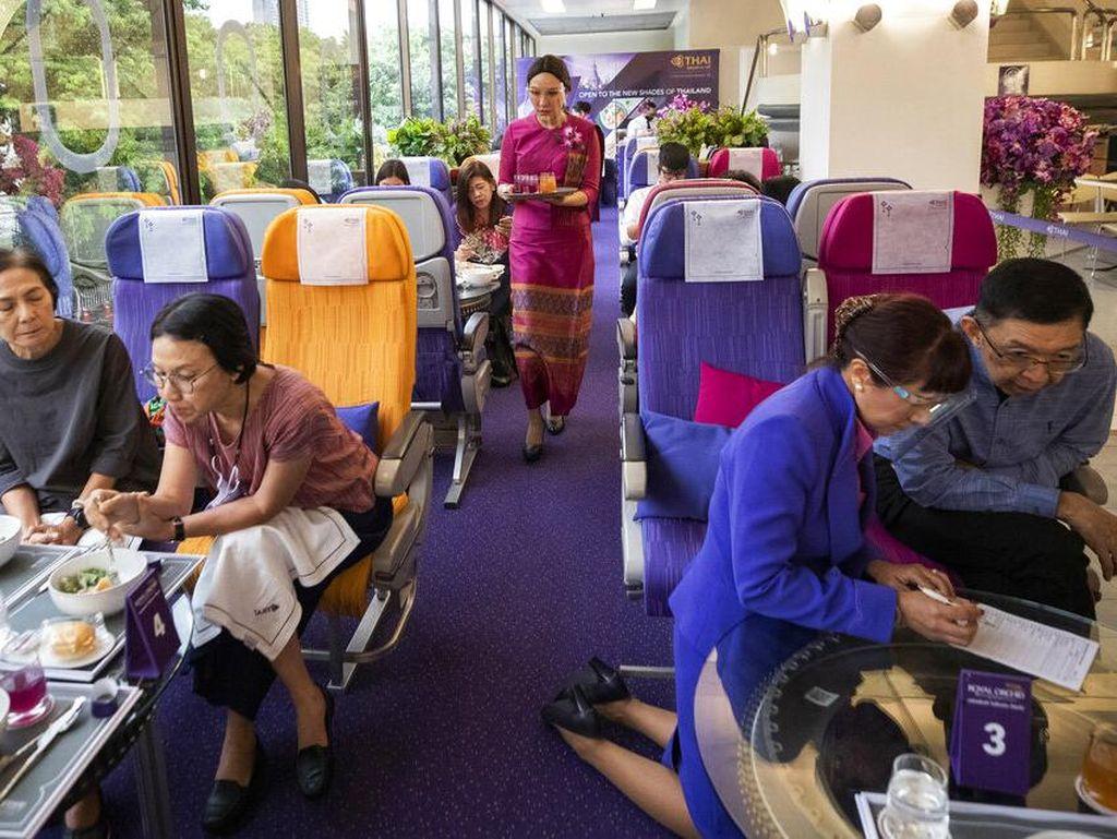 Maskapai Ini Buka Restoran Serasa di Pesawat Gaes