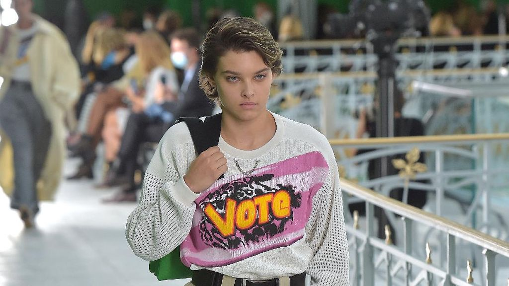 10 Koleksi Busana Terbaru Louis Vuitton yang Netral Gender