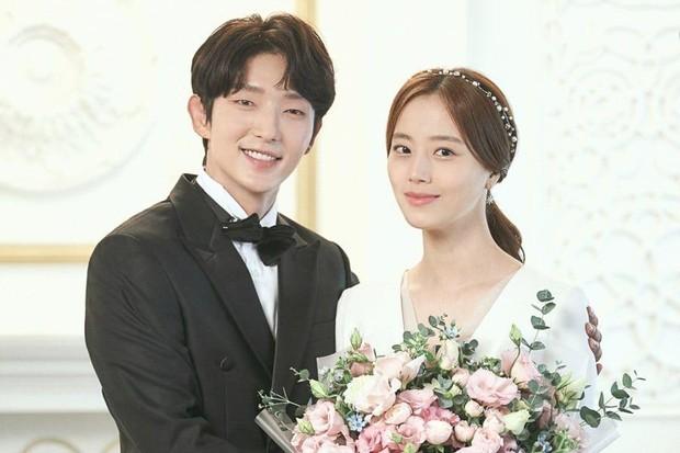 Potret pernikahan Baek Hee Sung dan Cha Ji Won