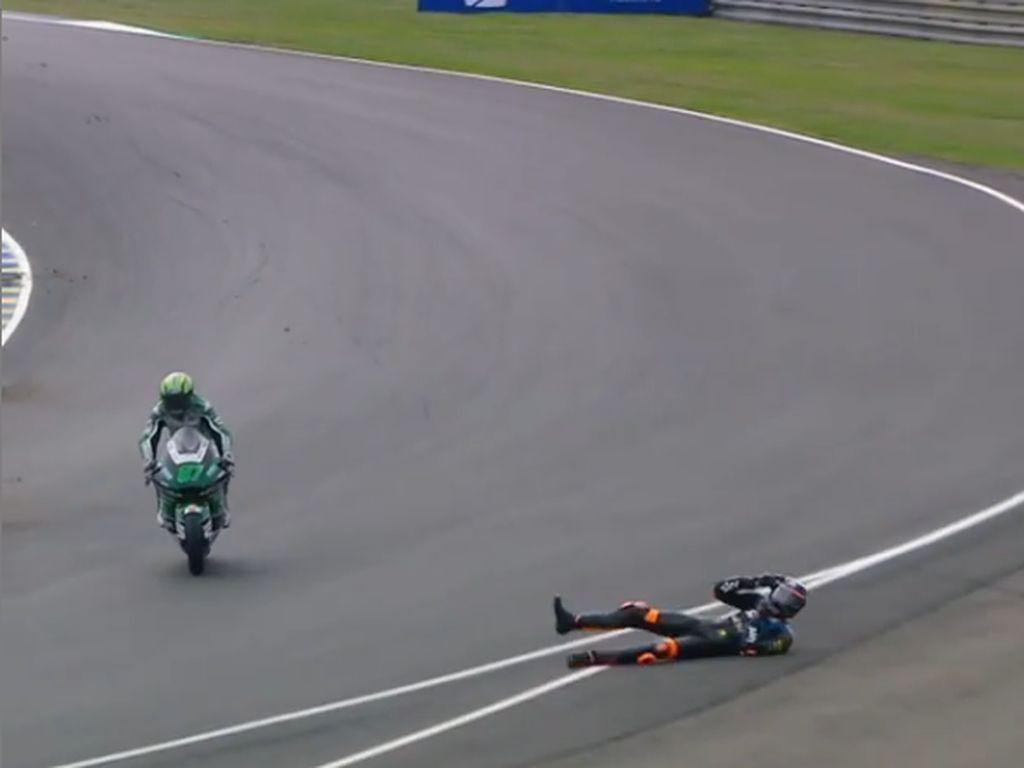 Detik-detik Adik Valentino Rossi Alami Kecelakaan Dahsyat di MotoGP Prancis