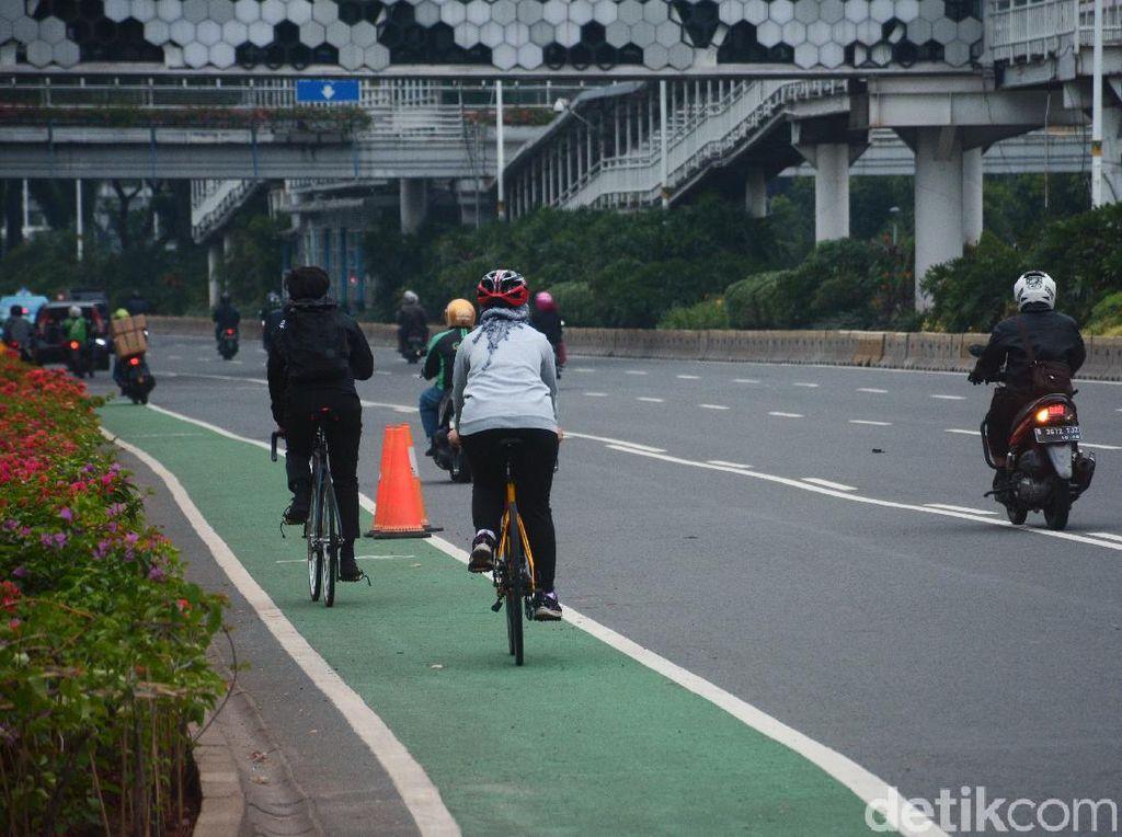 Pemotor Tak Setuju Jalur Sepeda Permanen: Kalau Ketabrak Kita Disalahin!