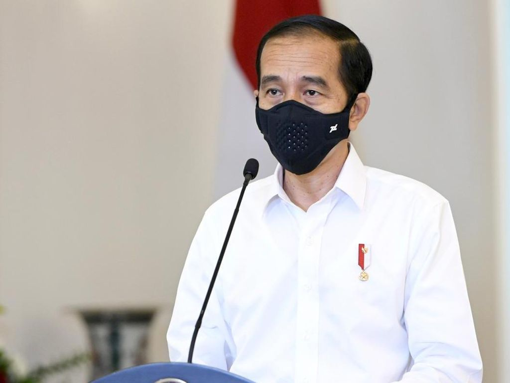 Jokowi Pimpin Rapat Virtual di Istana Bogor