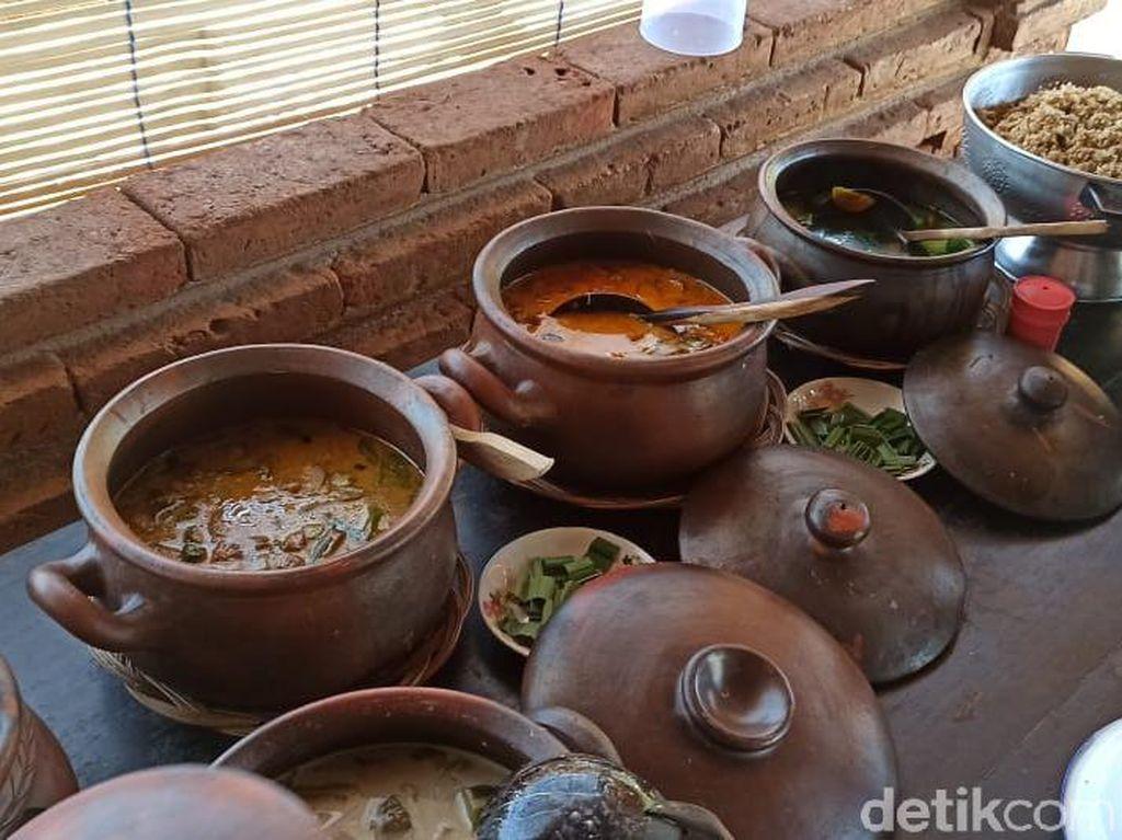 Rumah Makan di Ponorogo Ini Tawarkan Nuansa Tradisional dan Menu Desa