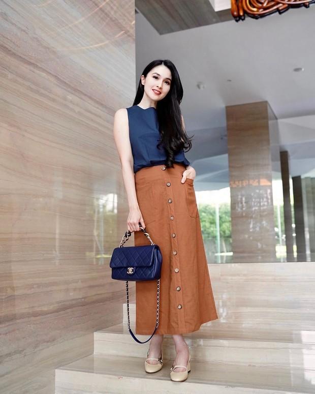 Gaya fashion earth tone colour