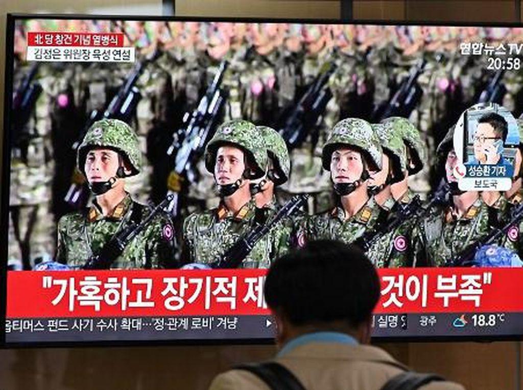 Korea Utara Pamerkan Rudal Balistik Raksasa Baru saat Parade Militer