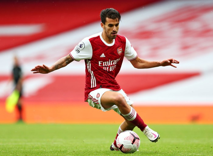 LONDON, ENGLAND - OCTOBER 04: Dani Ceballos of Arsenal in action during the Premier League match between Arsenal and Sheffield United at Emirates Stadium on October 04, 2020 in London, England. Sporting stadiums around the UK remain under strict restrictions due to the Coronavirus Pandemic as Government social distancing laws prohibit fans inside venues resulting in games being played behind closed doors. (Photo by Clive Rose/Getty Images)
