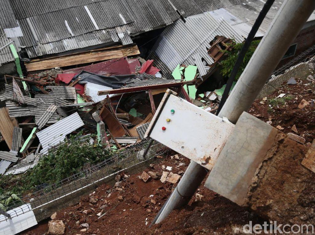 Nestapa Ibu Hamil Meregang Nyawa saat Longsor di Selatan Jakarta
