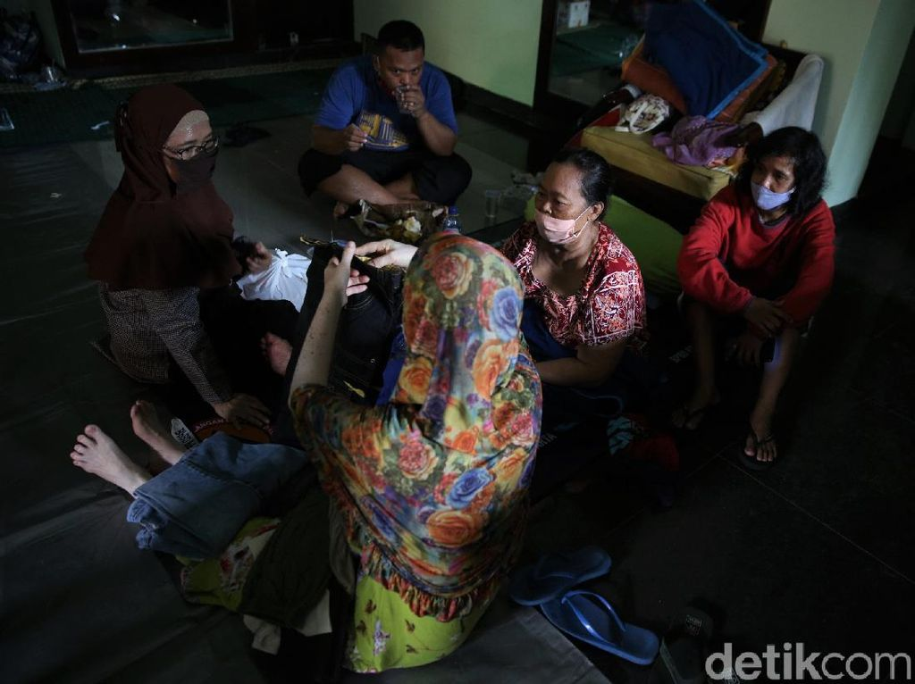 Trauma Korban Longsor dan Banjir Ciganjur